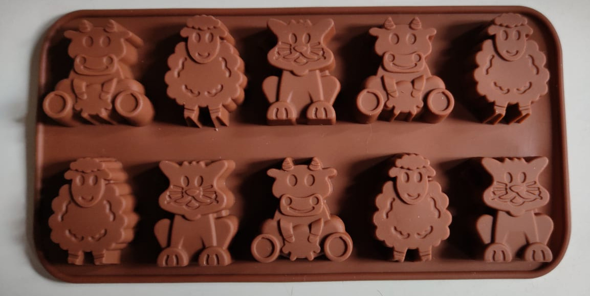 Silicone mold cow